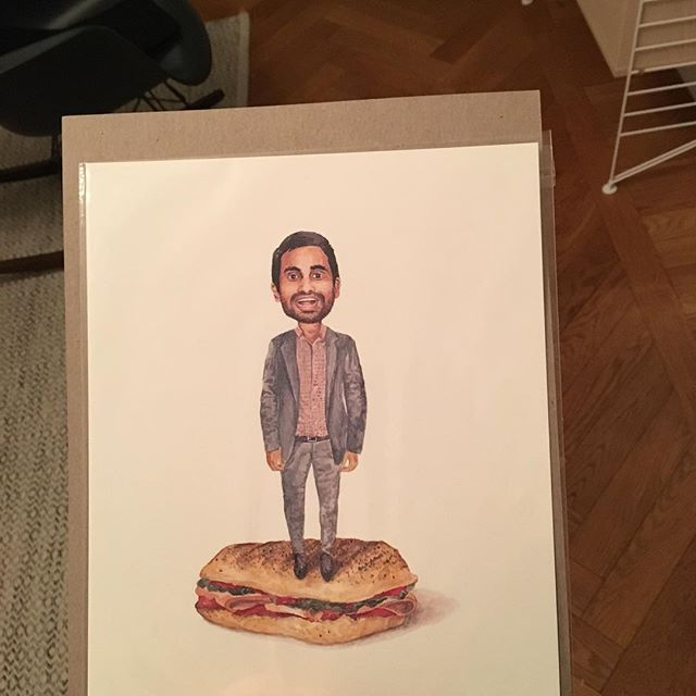 """Ibland när man är fattig får man hem saker man beställt när man var rik och inte brydde sig. Jag ger er """"Aziz Ansari on a Turkey sandwich""""."""