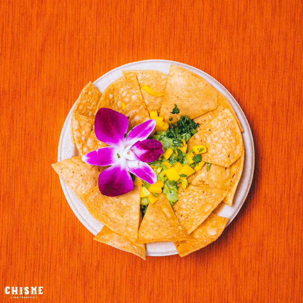 mango chips & guac -