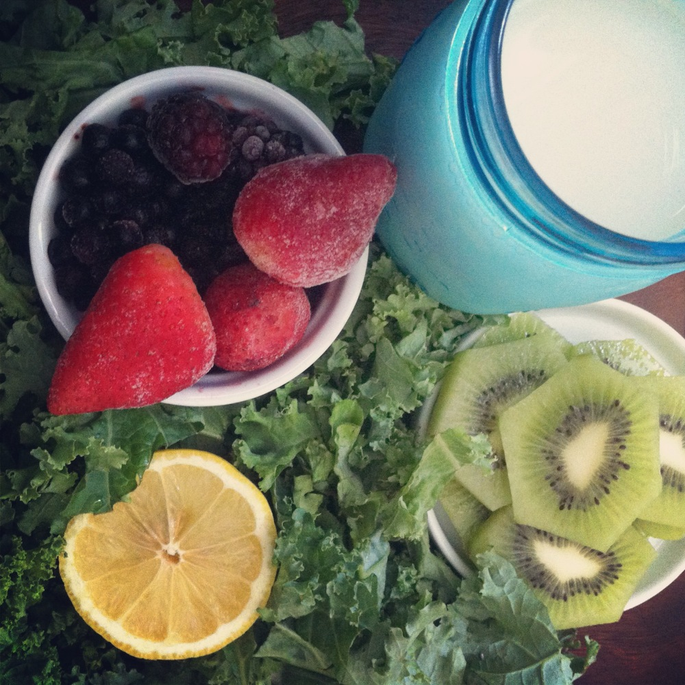 kale-kiwi-berry-smoothie