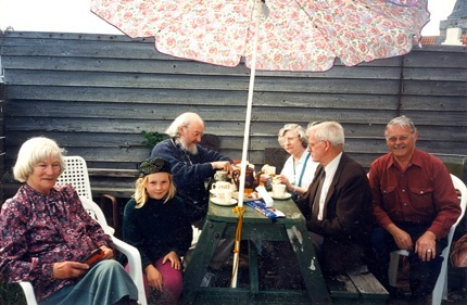 Tea-on-The-Terrace-OldManse-1997. Stella, Georgia, John, Frances, Gerald, and Harry.  Christine took the photo.