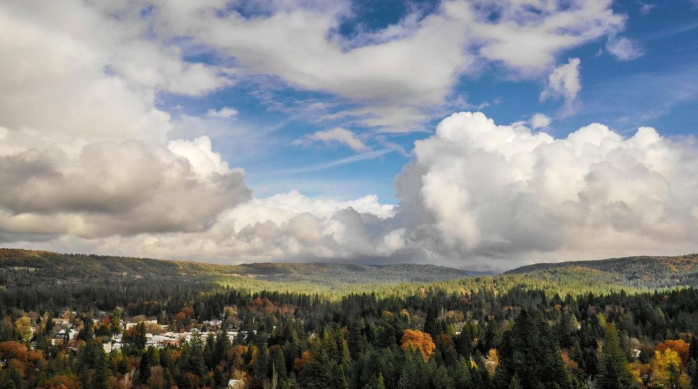 DRONE VIEW TOWARDS NEVADA CITY, CALIFORNIA. NOVEMBER 28, 2018