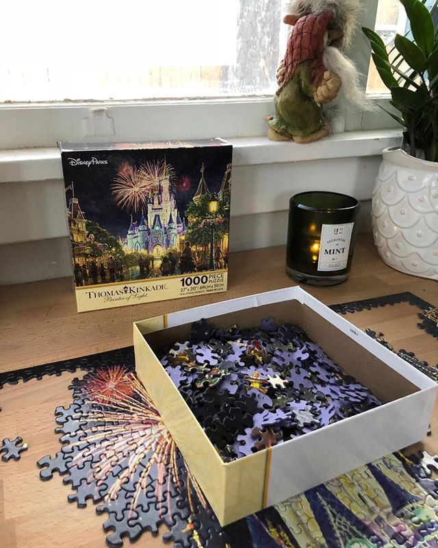 I cannot express how much I love puzzles - specifically Disney puzzles. Doing my Disney puzzle while listening to my business modules!