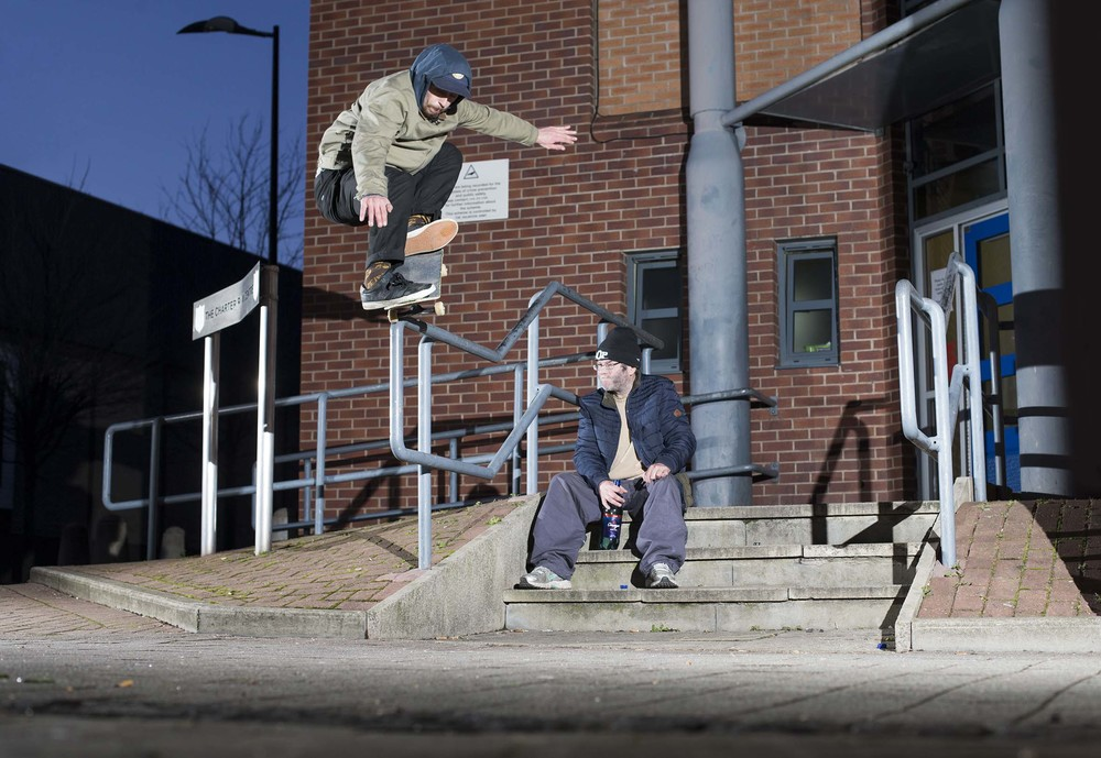 Harry Lintell - frontside nosegrind