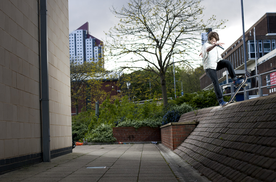 Vaughan Jones - frontside nosebluntslide