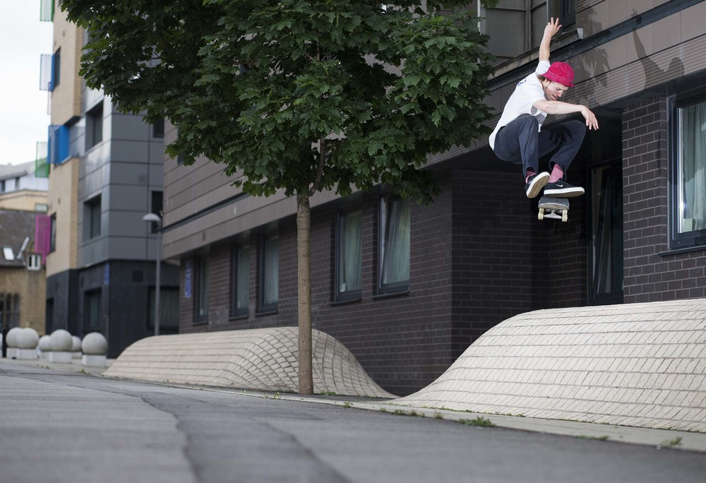 Vaughan Jones - kickflip