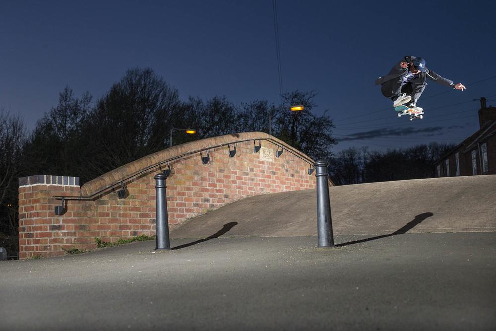 Mark Baines - heelflip