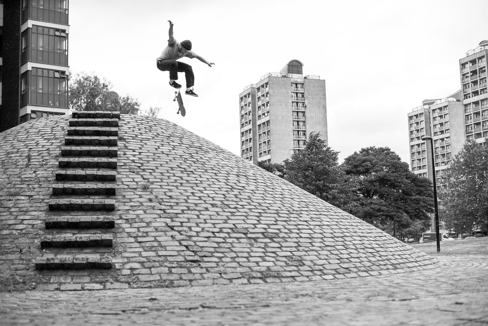 Vaughan Jones - switch 360 flip