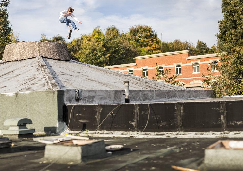 Matlok Bennett-Jones, 360 flip.