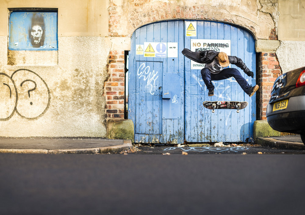 Dom Henry - switch heelflip