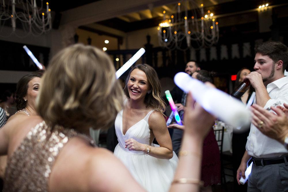 alden-castle-wedding-photos-027.jpg