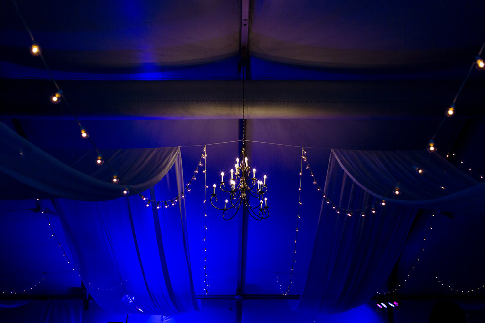 tent-wedding-lighting-photo