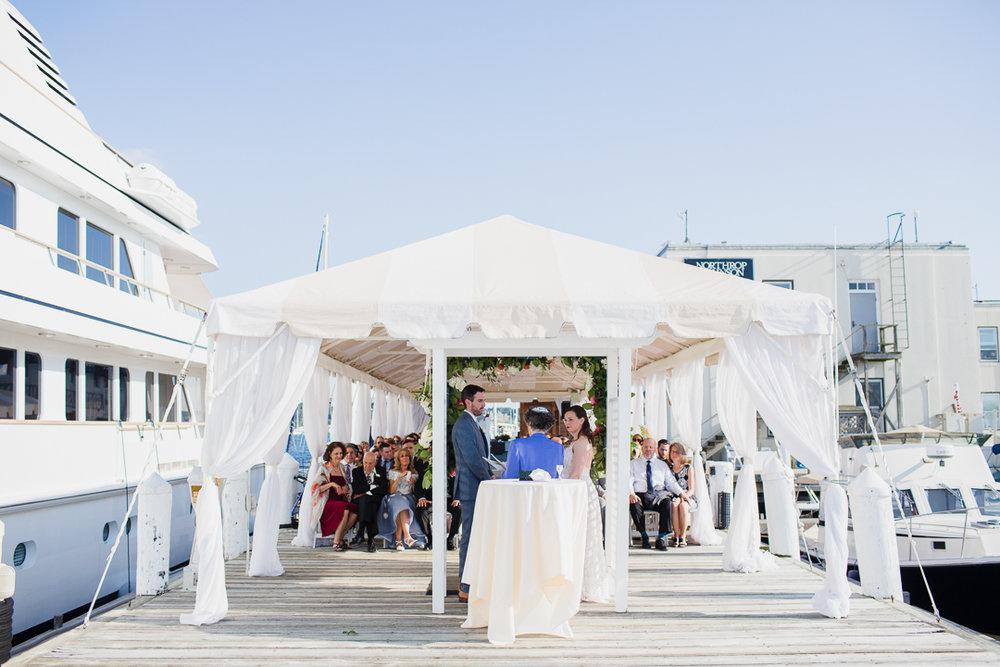 regatta-place-newport-ri-wedding--00011.jpg