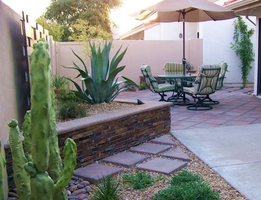 southwest_townhouse_landscape_makeover.jpg