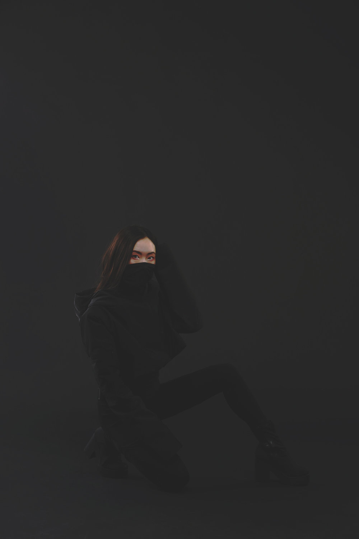 BLACK3.jpg