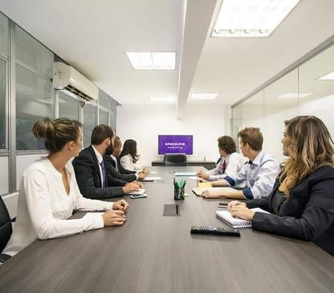 Precisando de um local para realizar sua reunião ou treinar sua equipe? Venha conhecer nosso espaço e nossos diferenciais. Aqui temos opções de espaços Gold & Platinum, salas privativas, sala de reunião, sala de treinamento, copa e outros benefícios. Ficou interessado? Entre em contato! Telefones: (31) 2512-2046 | (31) 99529-2605 (Vivo). #spacejobcoworking #Coworking #espacocompartilhado #comunication #belohorizonte #criatividade #ideias #empreendedorismo #belohorizonte #negocio #rich