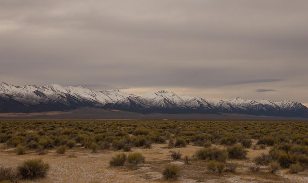 nevada desert mtns.jpg