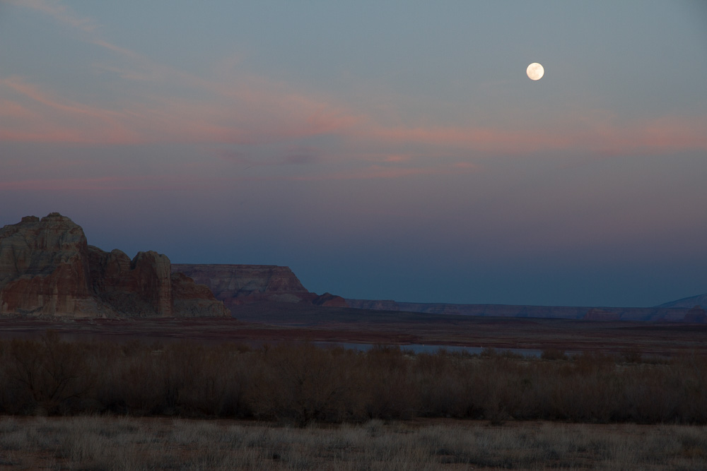 Arizona moon rise_-4.jpg