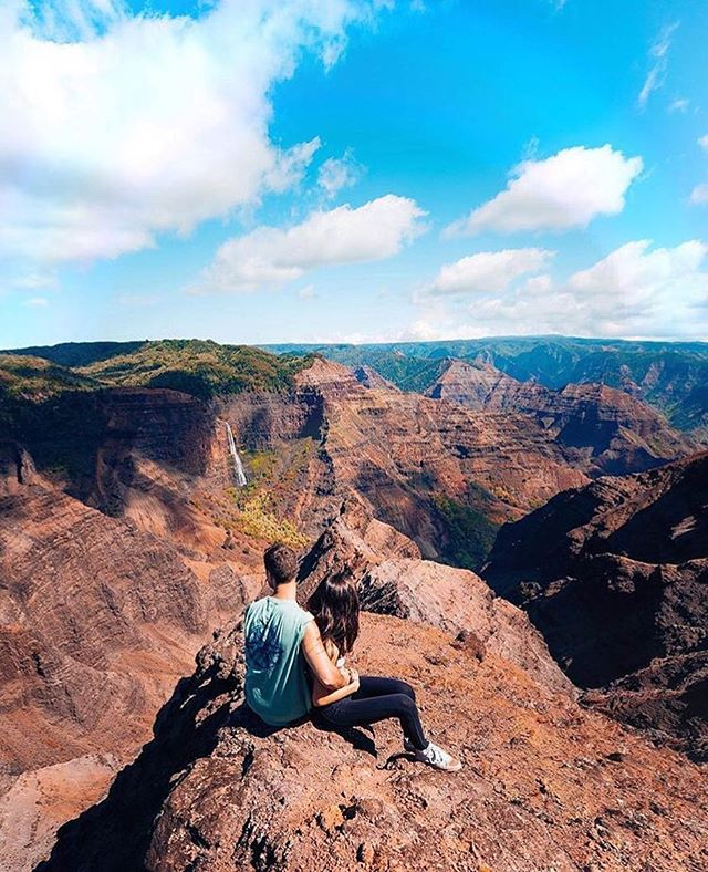 There's more to Hawaii than its gorgeous beaches 🗻 { @alyssalynch & @taylorcutfilms in Waimea Canyon, HI }