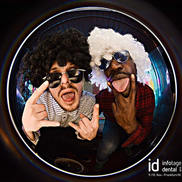 McLane ist im Haus! Rock'n Roll Baby... #infotagedental #iddental #frankfurt #messe #rocknroll #cliffmclane #fotobus #fotobulli #photobus #fisheye #funky