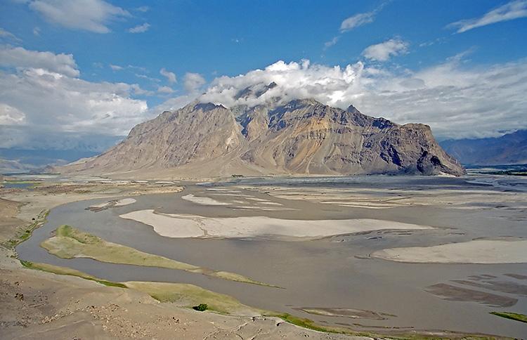 River Indus near Skardu (Pakistan) By Kogo - photo taken by Kogo, GFDL,    https://commons.wikimedia.org/w/index.php?curid=421282