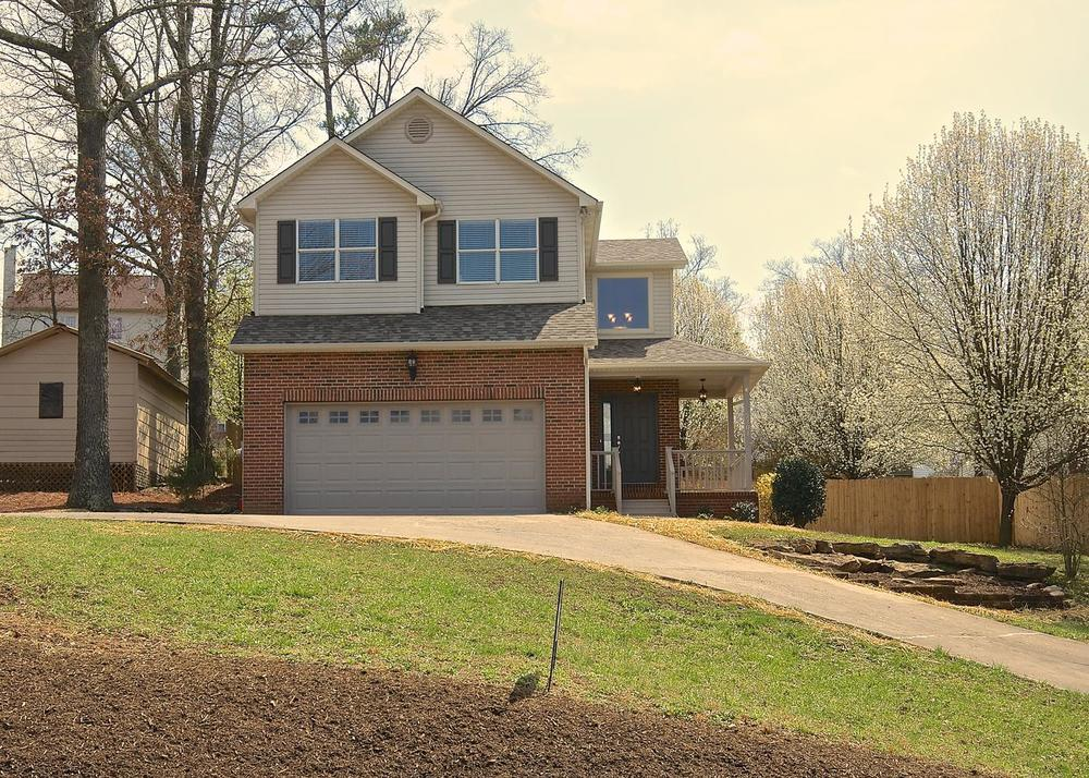 2707 Bakertown Rd Knoxville TN-large-001-Exterior  Front-1401x1000-72dpi.jpg