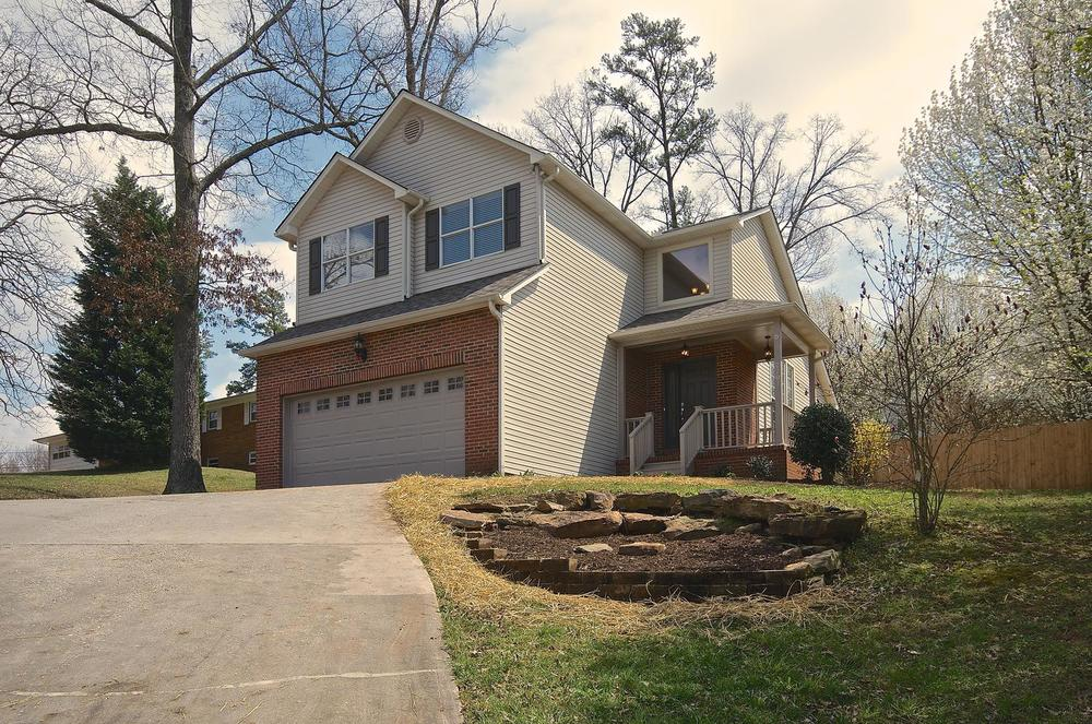 2707 Bakertown Rd Knoxville TN-large-002-Exterior  Front-1500x994-72dpi.jpg