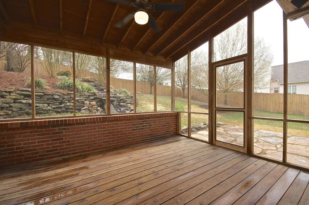 2707 Bakertown Rd Knoxville TN-large-025-Screened Porch-1500x994-72dpi.jpg