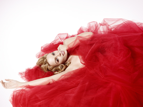 kylie-minogue-christmas-interview-2.jpg