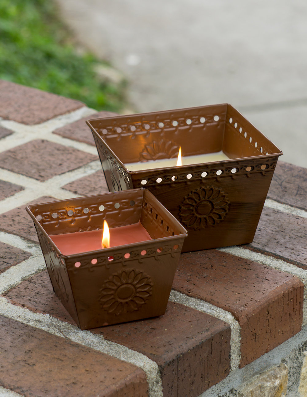 Outdoor & Citronella - Deadline for orders/commitments is Sept. 26, 2017First available ship date is Feb. 10, 2018.