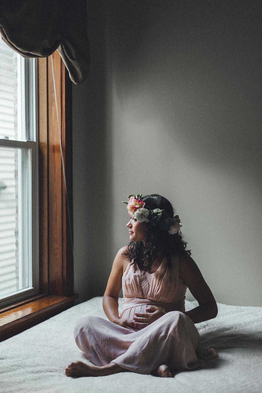 Maternity Flower Crown Shoot_0005.jpg