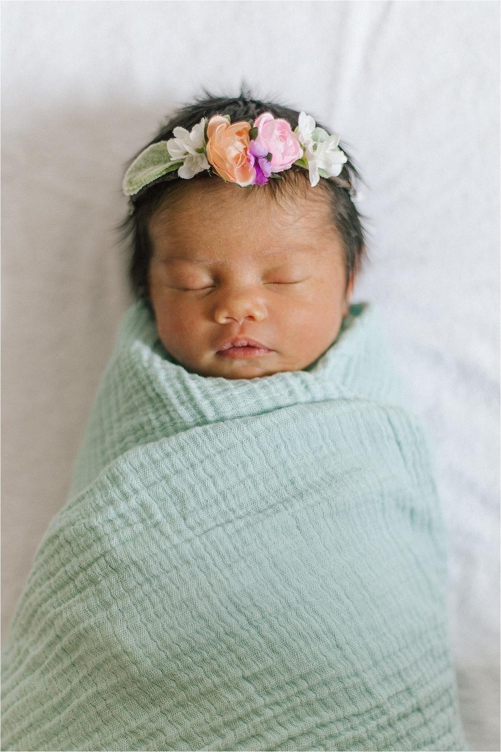 Newborn Flower Photoshoot_0034.jpg