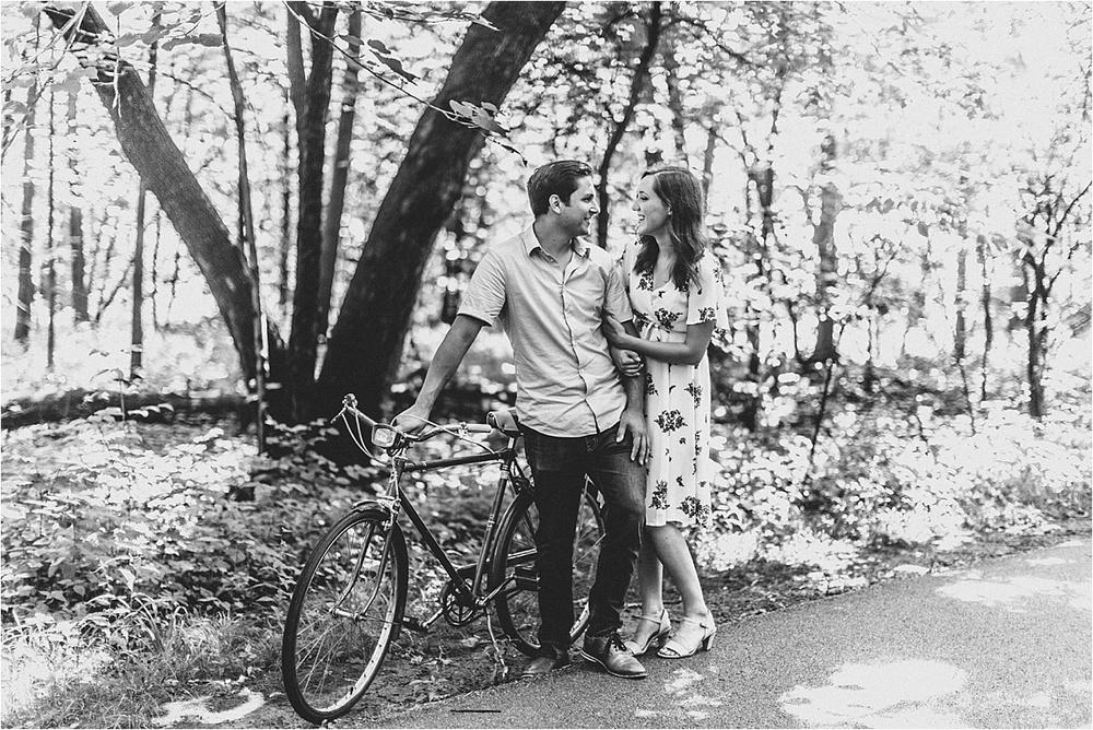 Vintage Bicycle Engagement Shoot_0010.jpg