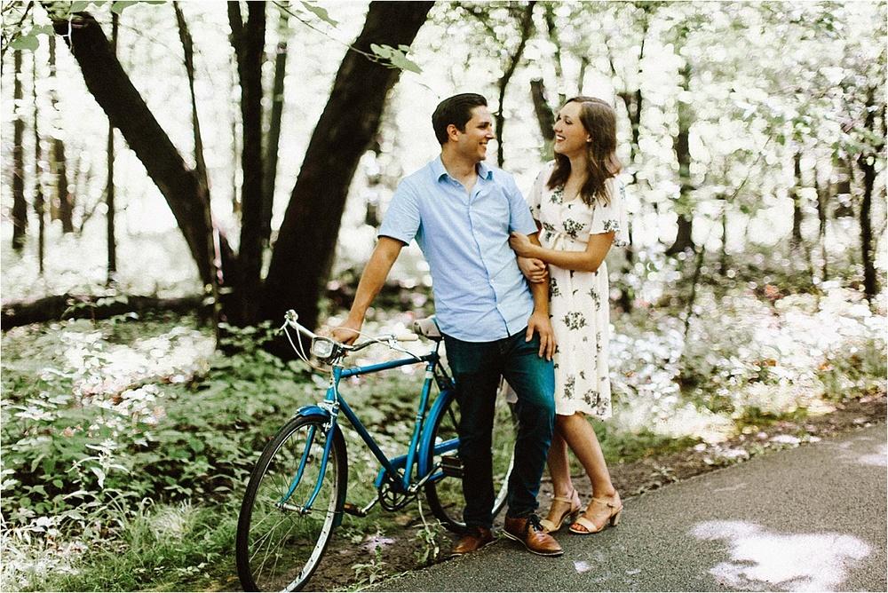 Vintage Bicycle Engagement Shoot_0009.jpg