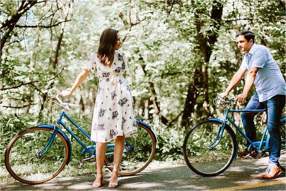 Vintage Bicycle Engagement Shoot_0038.jpg