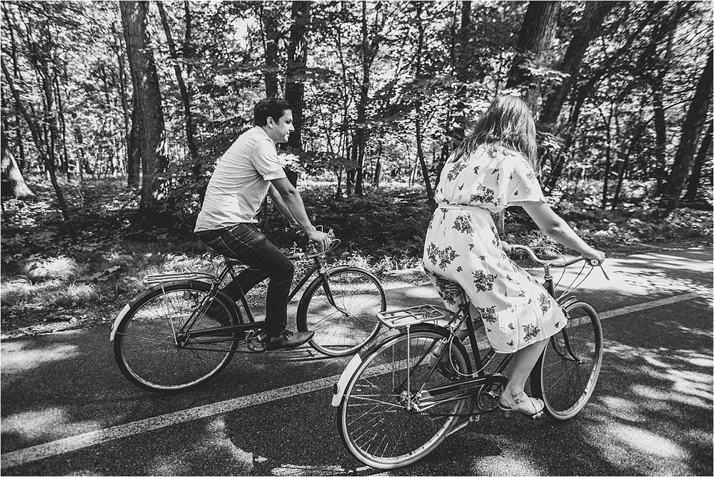 Vintage Bicycle Engagement Shoot_0043.jpg