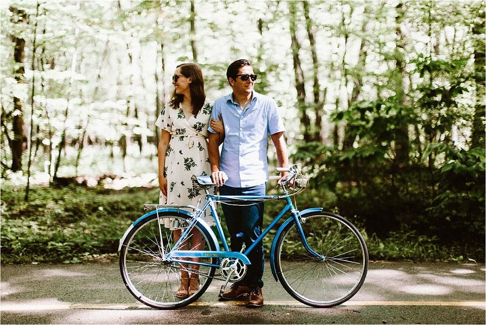 Vintage Bicycle Engagement Shoot_0049.jpg
