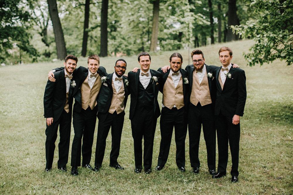 groomsmen-8.jpg