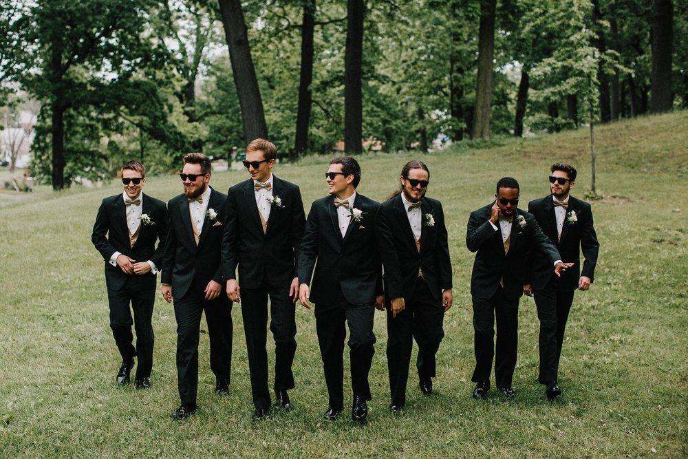 groomsmen-34.jpg