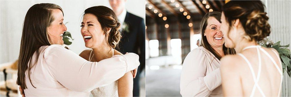 Champaign Illinois Barn Wedding_0208.jpg