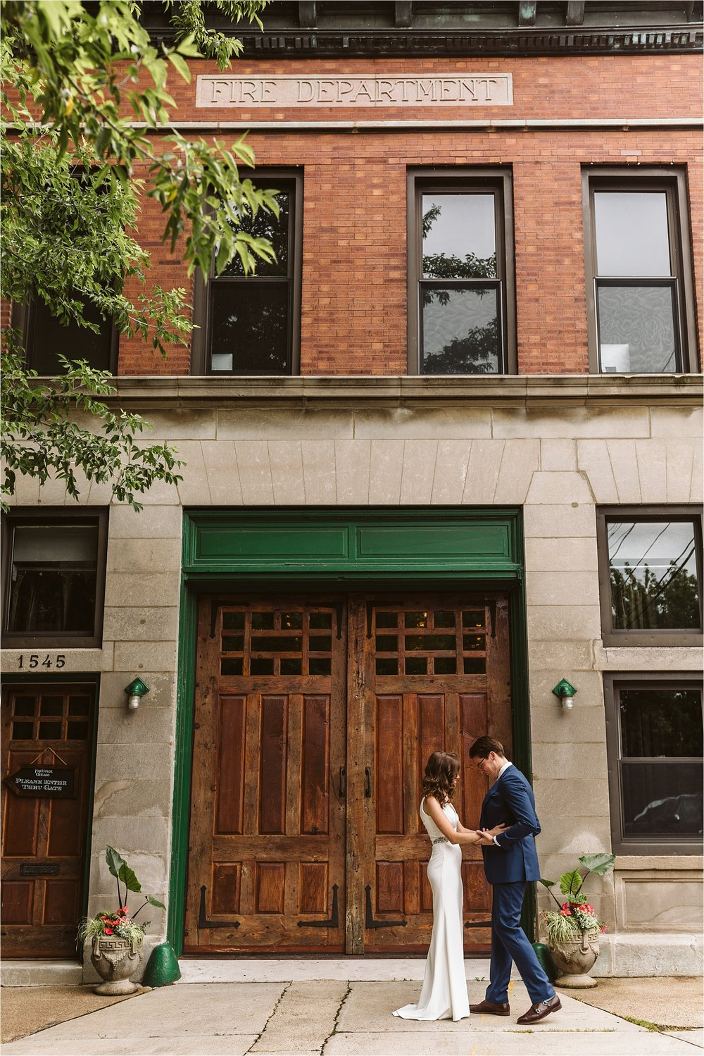 Intimate Firehouse Chicago Wedding_0002.jpg