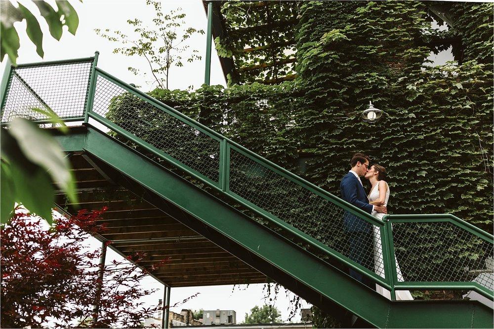 Intimate Firehouse Chicago Wedding_0018.jpg