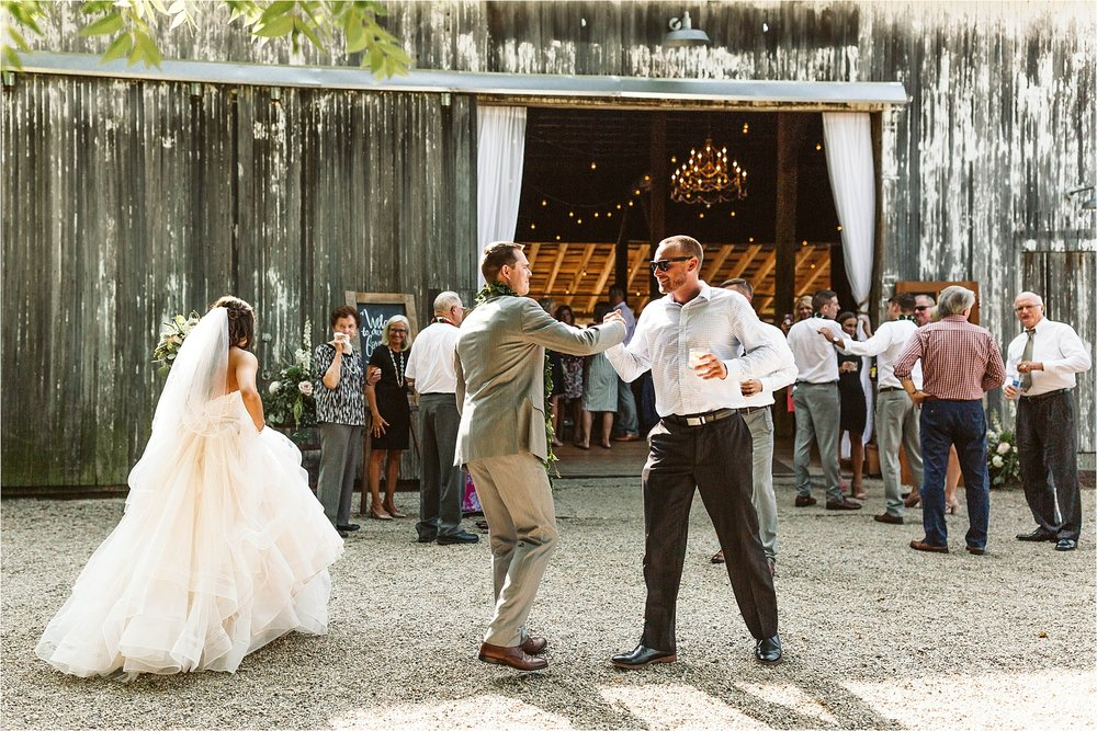 Hidden Vineyard Michigan Wedding_0211.jpg