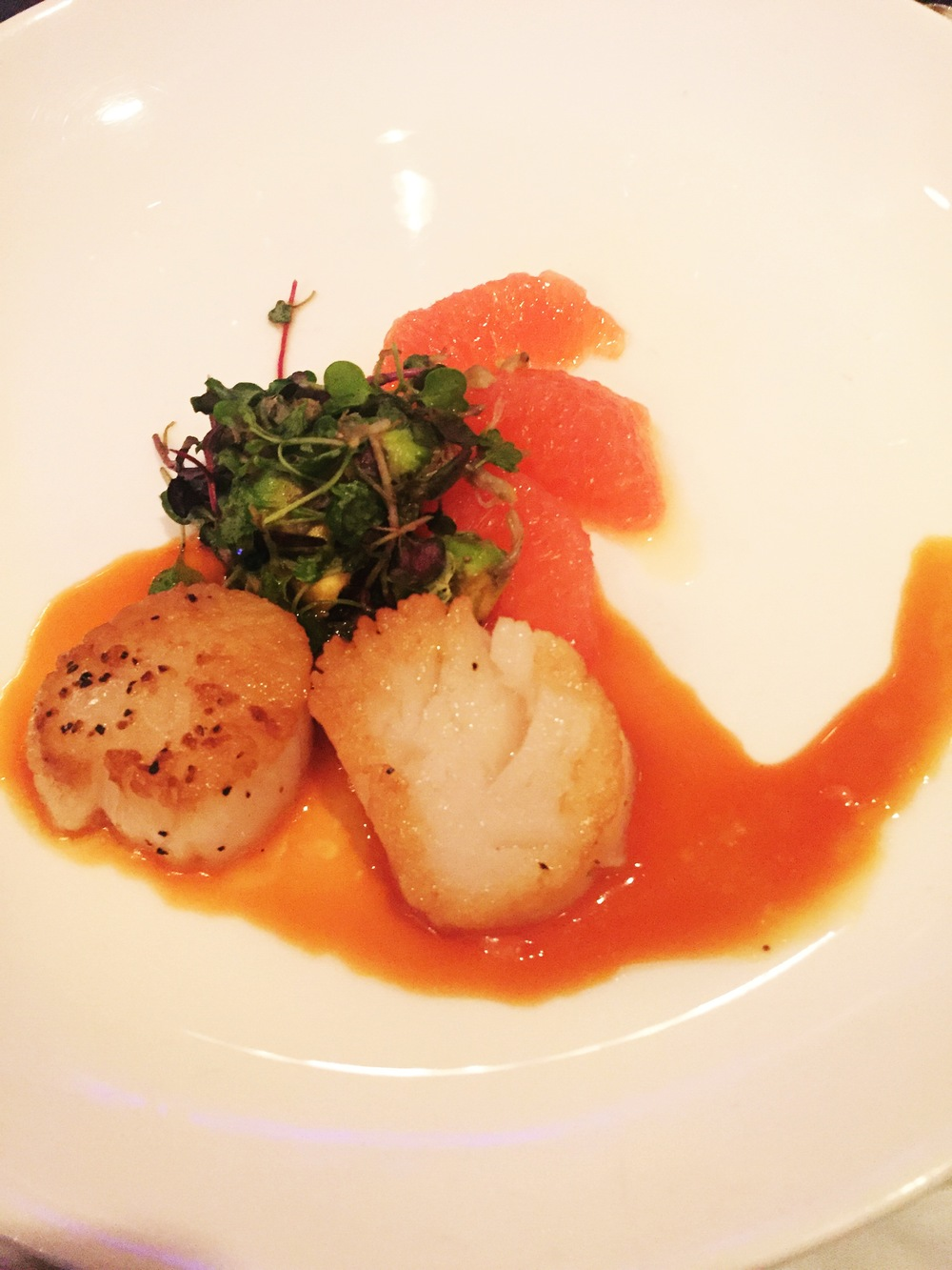 Pan-seared scallops (Anthony Romano of Sarita) + 2014 Robert Monday Napa Fume Blanc