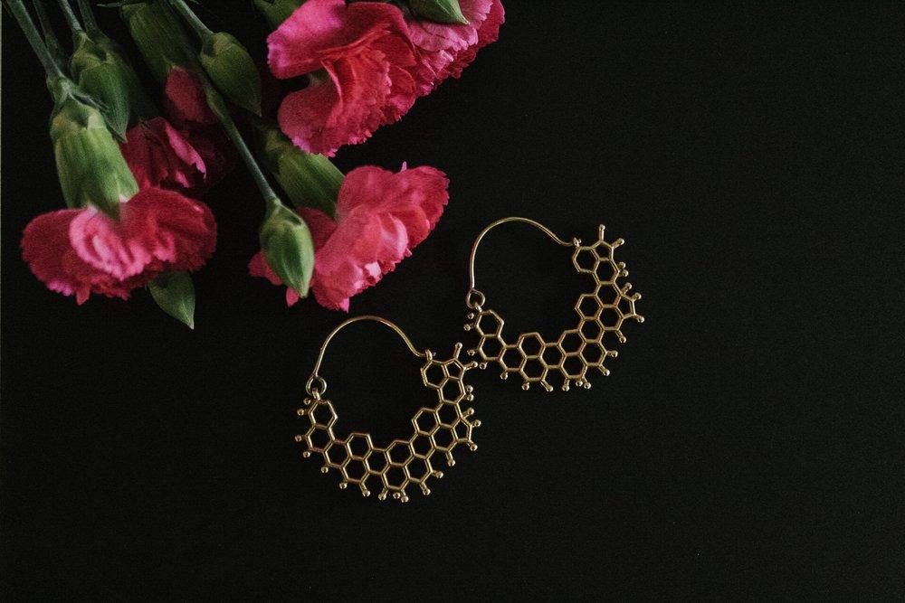 Capsule-four-honeycomb-earrings-bee-lovers-jewelry.jpg