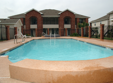 pool and brick2.jpg