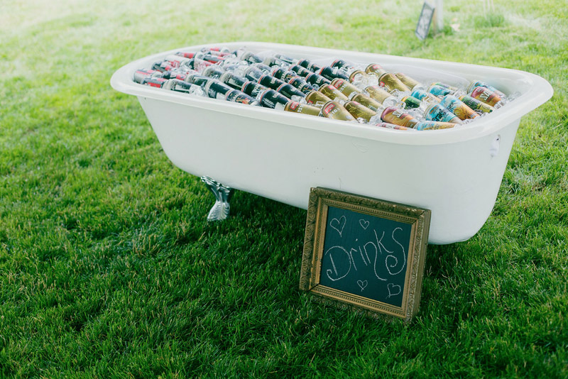 the vintage beverage bath tub was straight out of a pinterest fantasy.