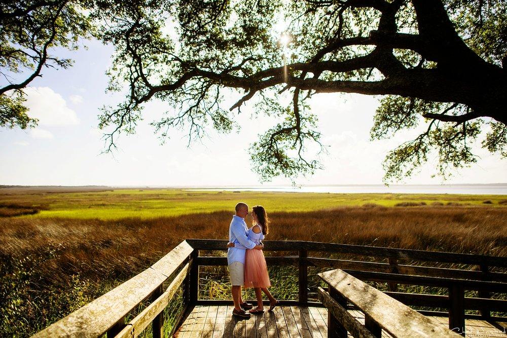 Julie&Daniel_FortFisher_Engagement_0002.jpg