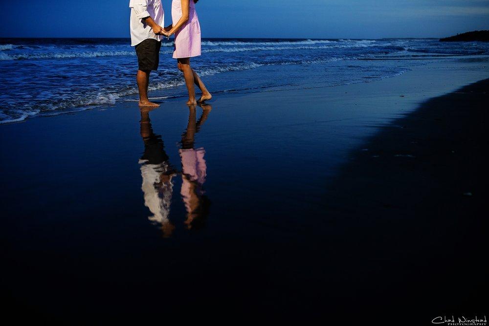 Julie&Daniel_FortFisher_Engagement_0024.jpg