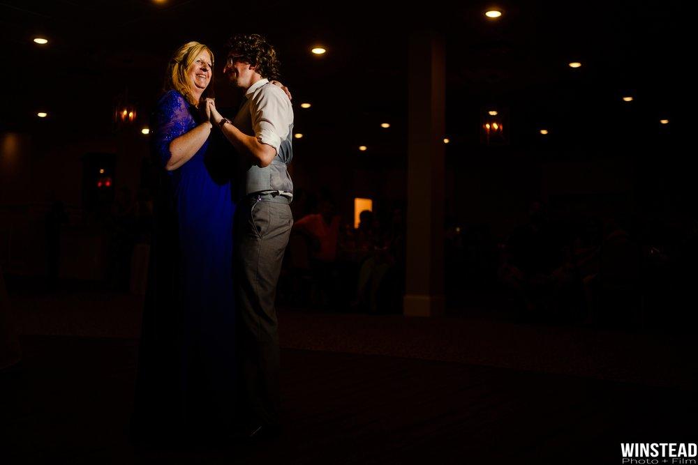 Emerald-Isle-Wedding-Photographers-045.jpg