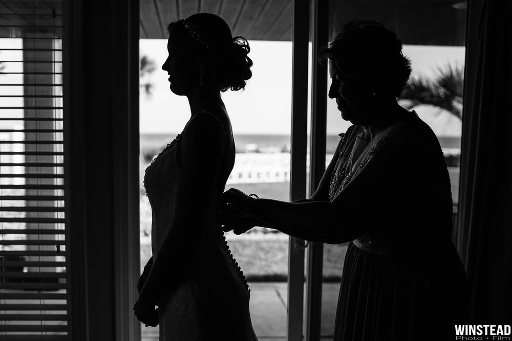 Emerald-Isle-Wedding-Photographers-002.jpg
